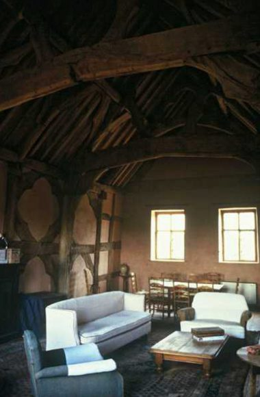 14th century timber frame and roof in upper hall