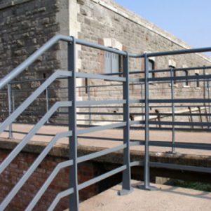Fort railings to bridge